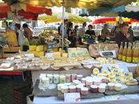 ストラスブール マーケットのチーズ屋