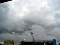 080821 夕立前の不穏な雲