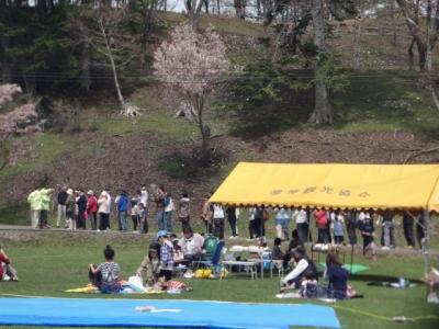 桜・牡蠣祭り 037