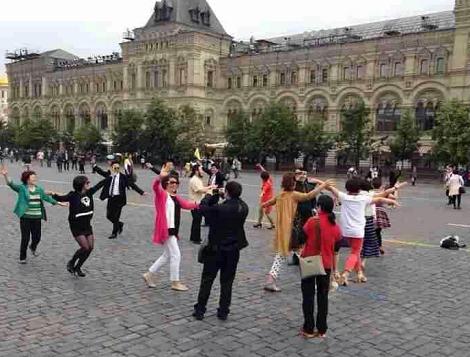 中国人 ダンス おばちゃん 赤の広場