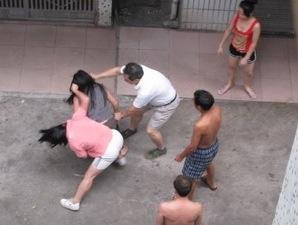 中国人 女性 喧嘩