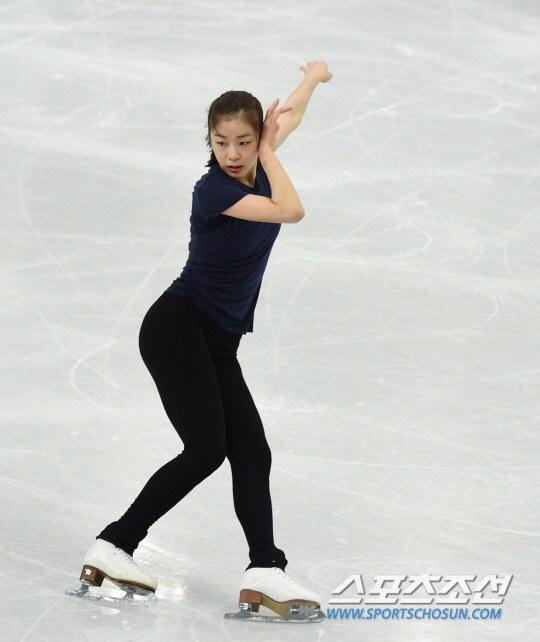 スケートをするキム・ヨナ
