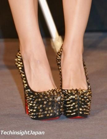 板野友美の靴