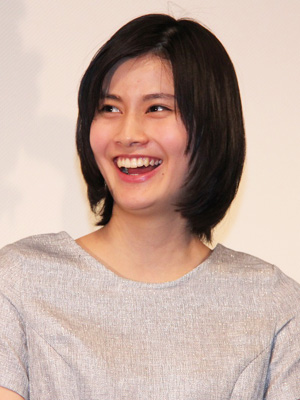 映画『大人ドロップ』の完成披露試写会に出席した橋本愛