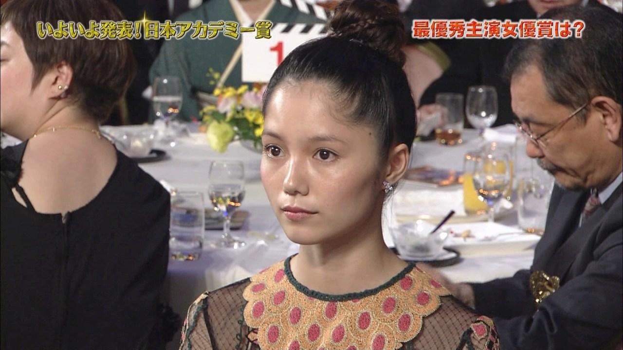 第37回日本アカデミー賞授賞式での宮崎あおい