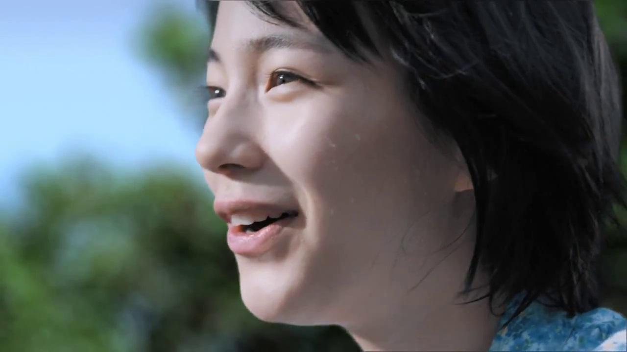 2014年、能年玲奈のカルピスウォーターCM