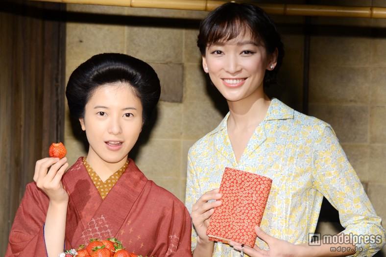 『ごちそうさん』ヒロイン杏(右)からバトンを受け取った次期朝ドラ主役・吉高由里子