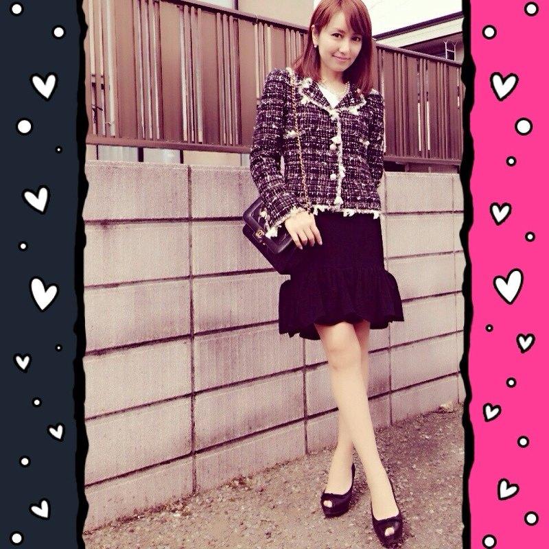 矢田亜希子の卒園式ファッション、CHANELのツイードジャケットにCHANELのバッグ