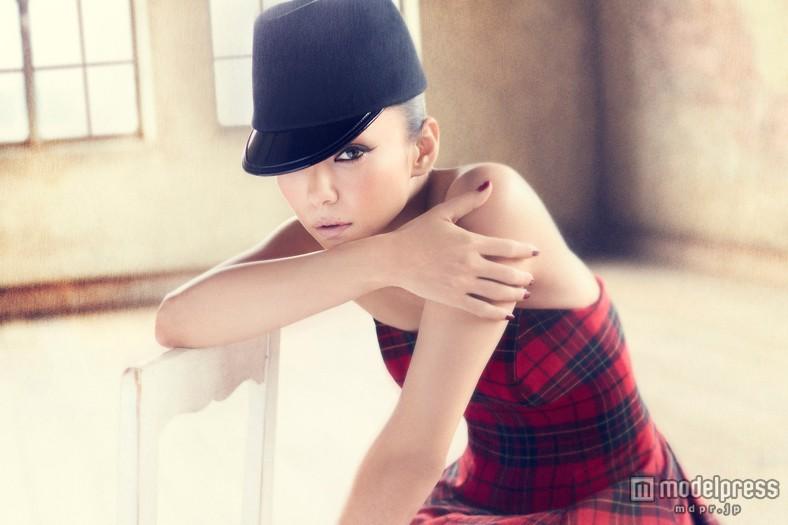 バラードベストアルバム「Ballada」を発売する安室奈美恵