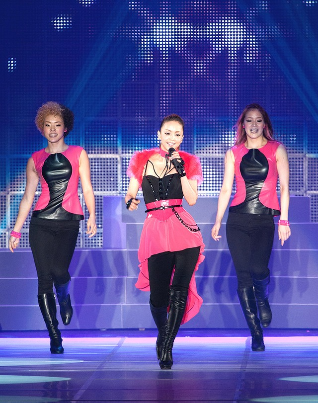 第16回東京ガールズコレクション 2013に出演した安室奈美恵
