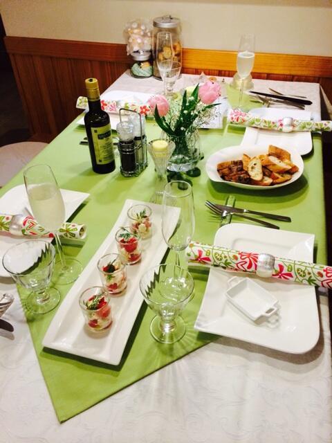 牧野結美アナの実家のテーブルセッティング