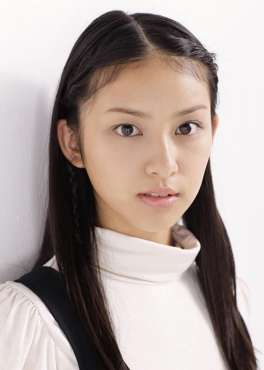 デビュー後、若い頃の武井咲