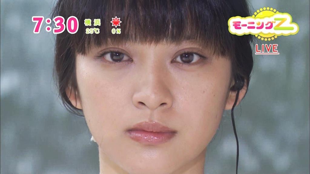 武井咲の顔の歪みがすごい
