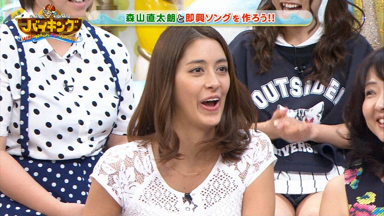 「バイキング」に出演したAKB48川栄李奈が生放送でパンチラ