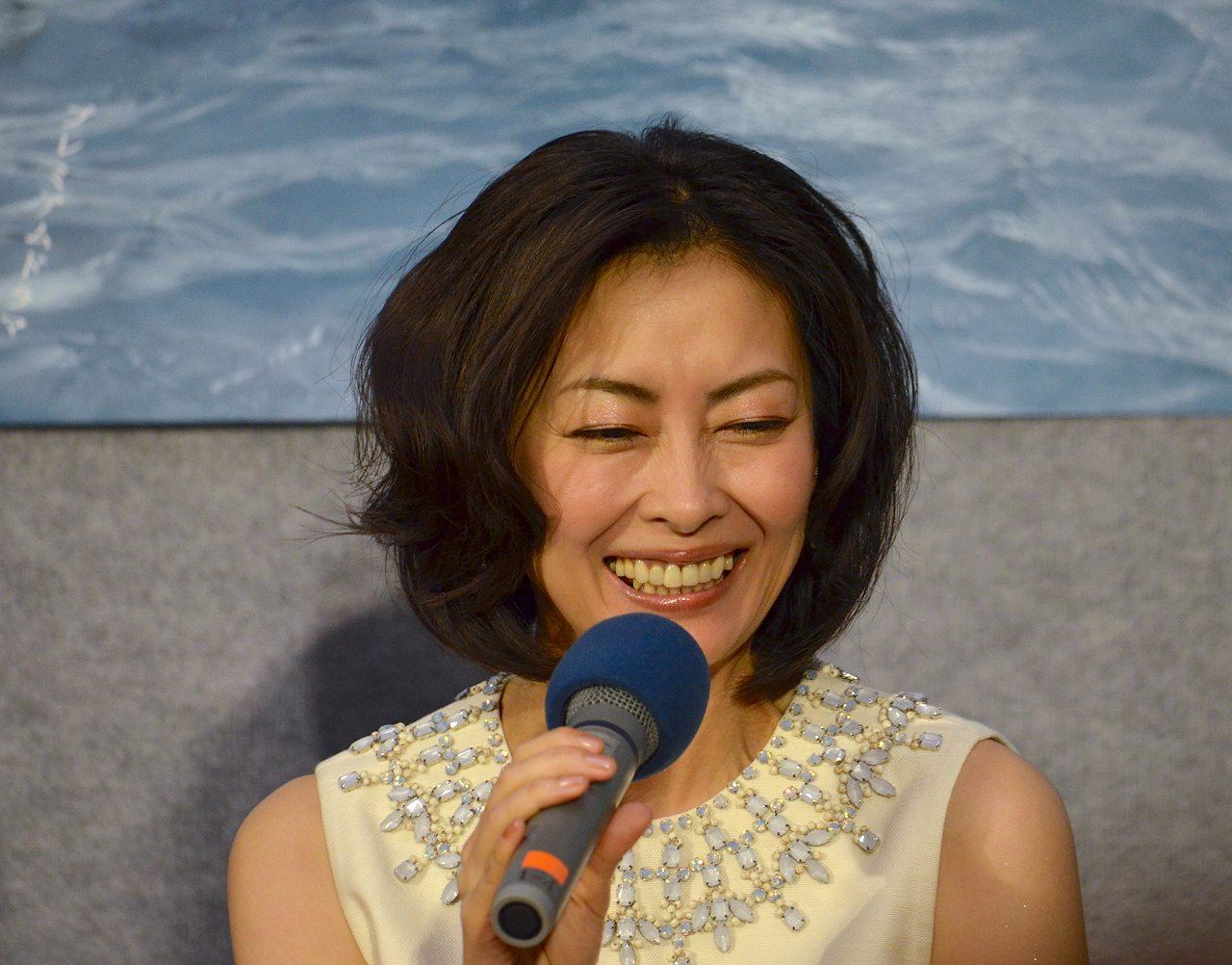 NHKドラマ「プラトニック」完成試写会での中山美穂 劣化が酷い