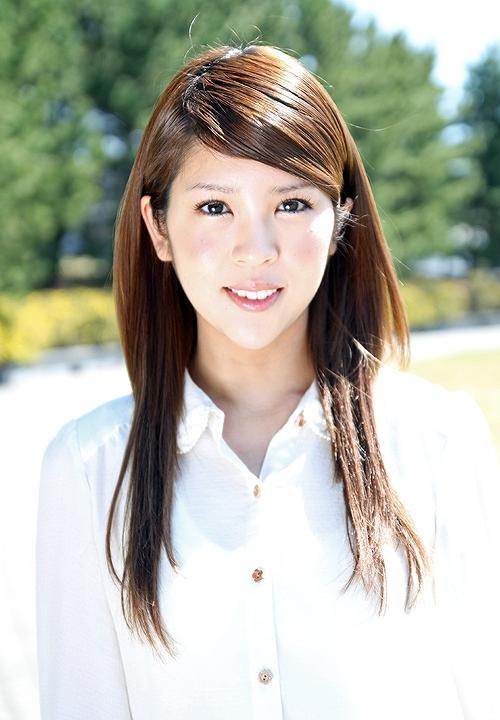 公式サイトに載ってる坂口杏里の顔