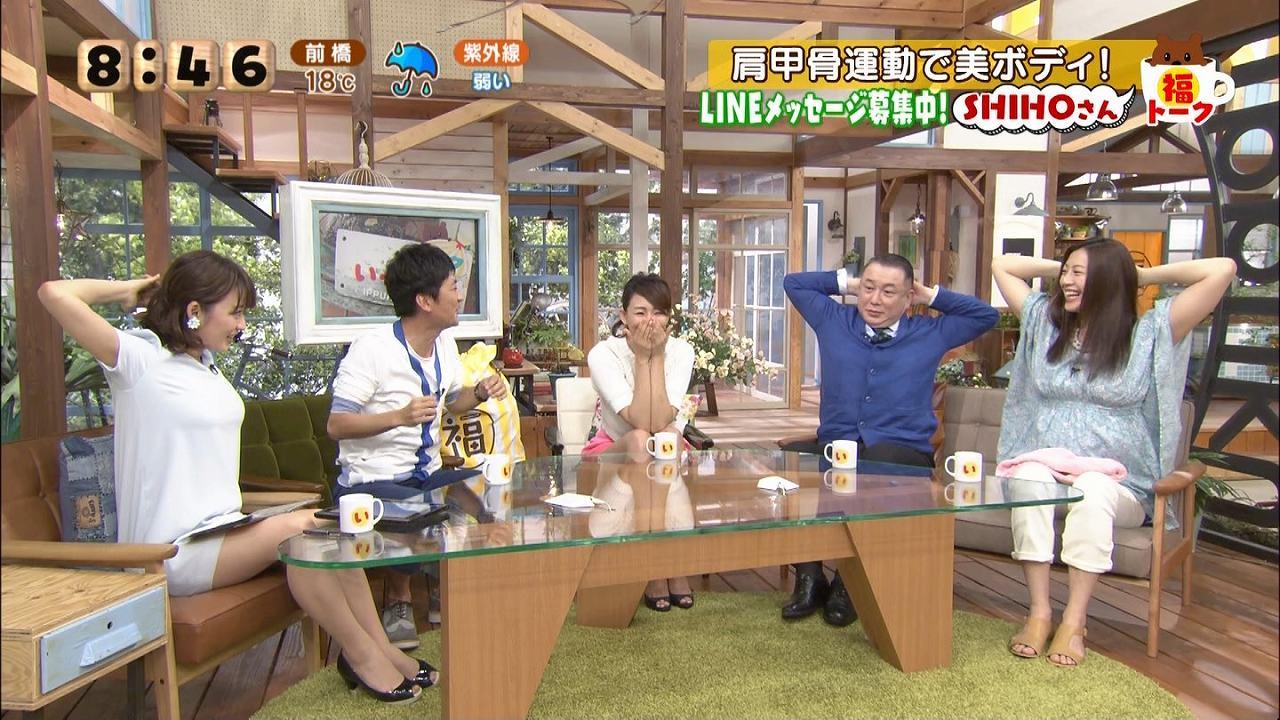 「いっぷく」で肩甲骨運動をするSHIHOと枡田絵理奈アナ