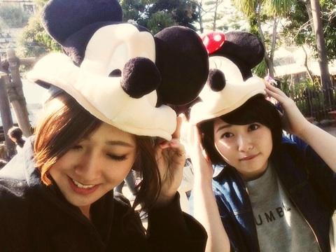 ディズニーシーに行った須藤茉麻と熊井友理奈