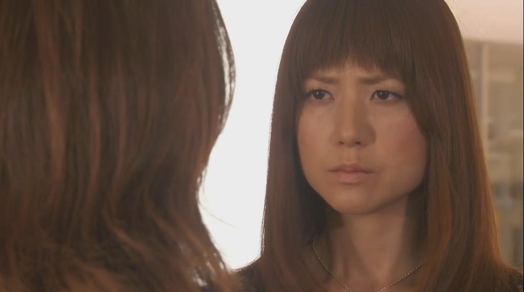 ドラマ「ファースト・クラス」に出演したhitomi