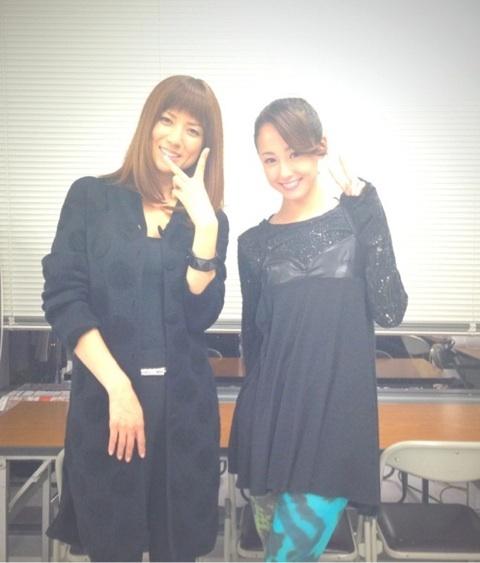 ドラマ「ファースト・クラス」で共演したhitomiと沢尻エリカ