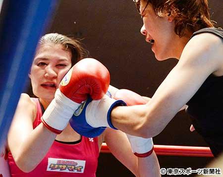 女子スーパーフライ級6回戦、TKO負けで顔面崩壊した高野人母美