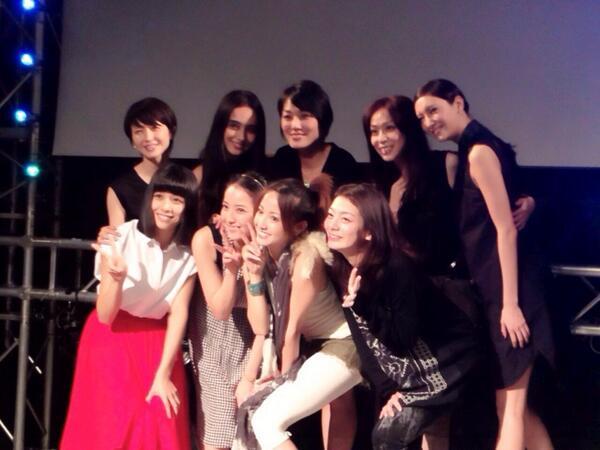 ドラマ「ファースト・クラス」で共演した女優のオフショット 沢尻エリカ、佐々木希、菜々緒、石田ニコル