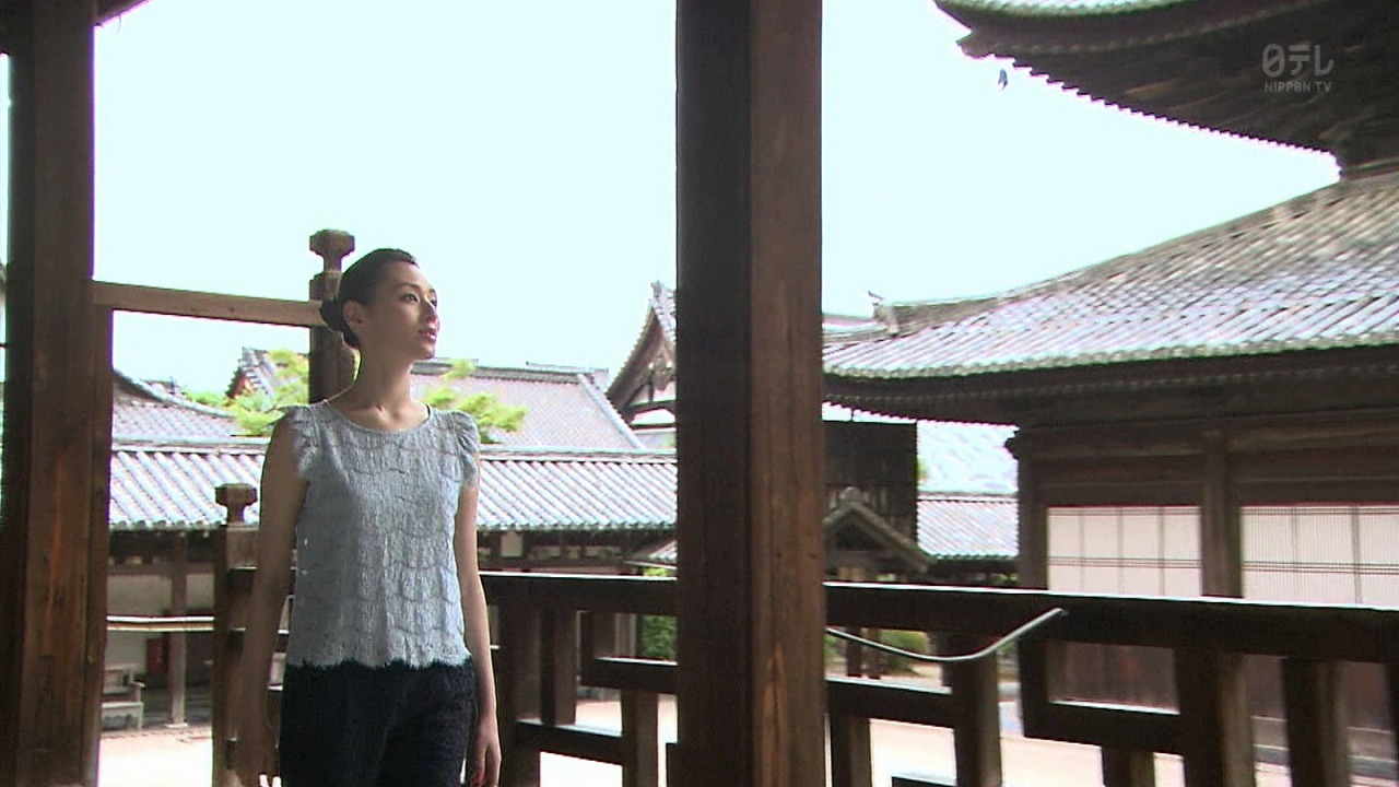 千年の都 美の旅人 ~京都・美の響き編~に出演した栗山千明 エラがなくなってる