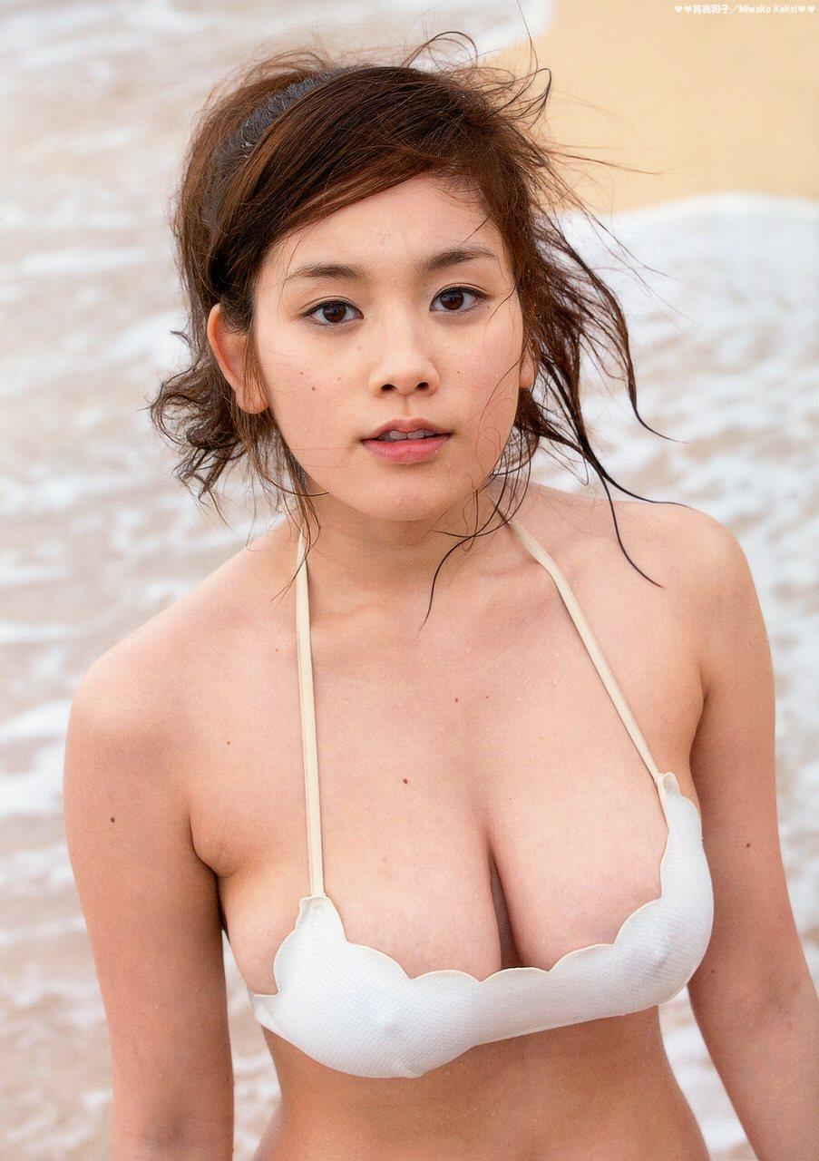 筧美和子の写真集 篠山紀信が撮った「ヴィーナス誕生」