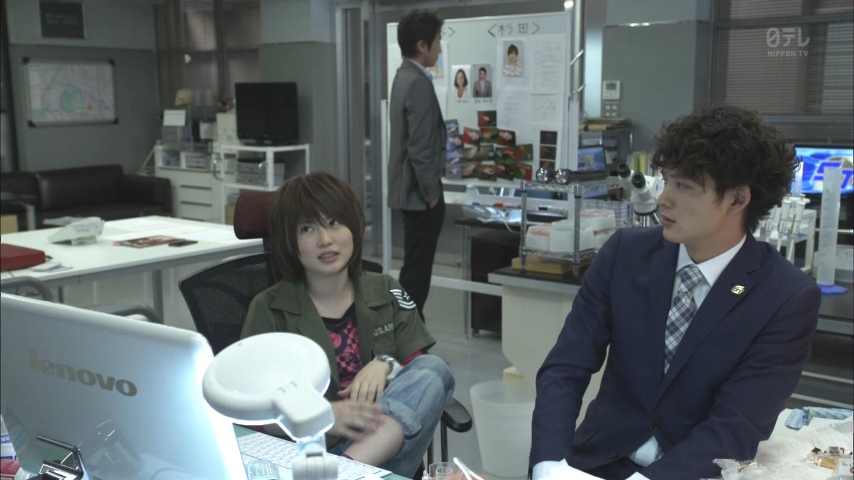ドラマ「ST赤と白の捜査ファイル」の志田未来と岡田将生