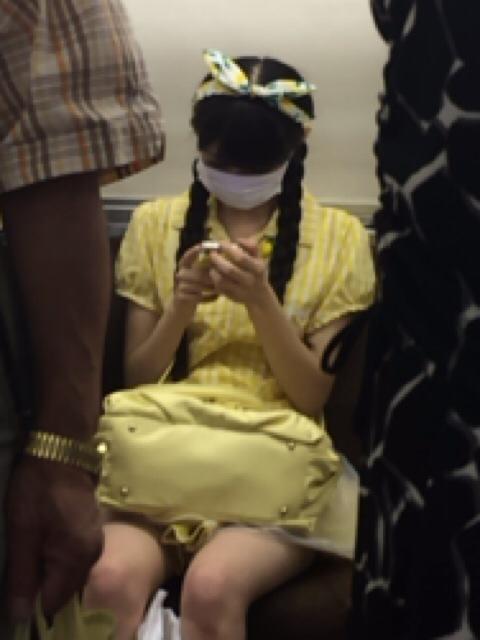 電車に乗ってる市川美織 盗撮された市川美織画像