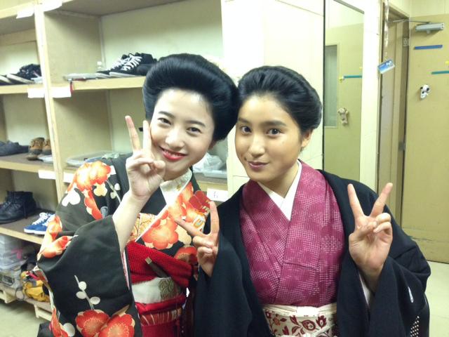 朝ドラ「花子とアン」で共演した吉高由里子と土屋太鳳