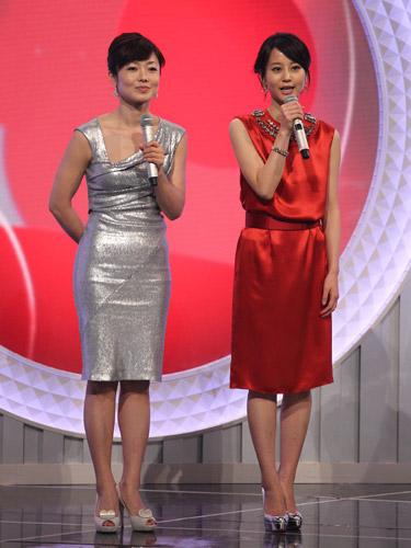 紅白歌合戦での有働由美子と堀北真希