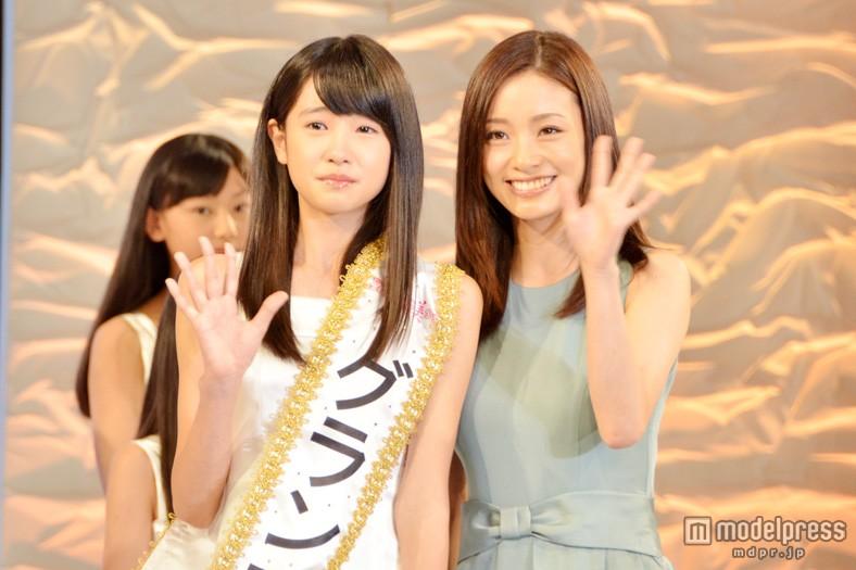 「全日本国民的美少女コンテスト」でグランプリを獲得した高橋ひかると上戸彩