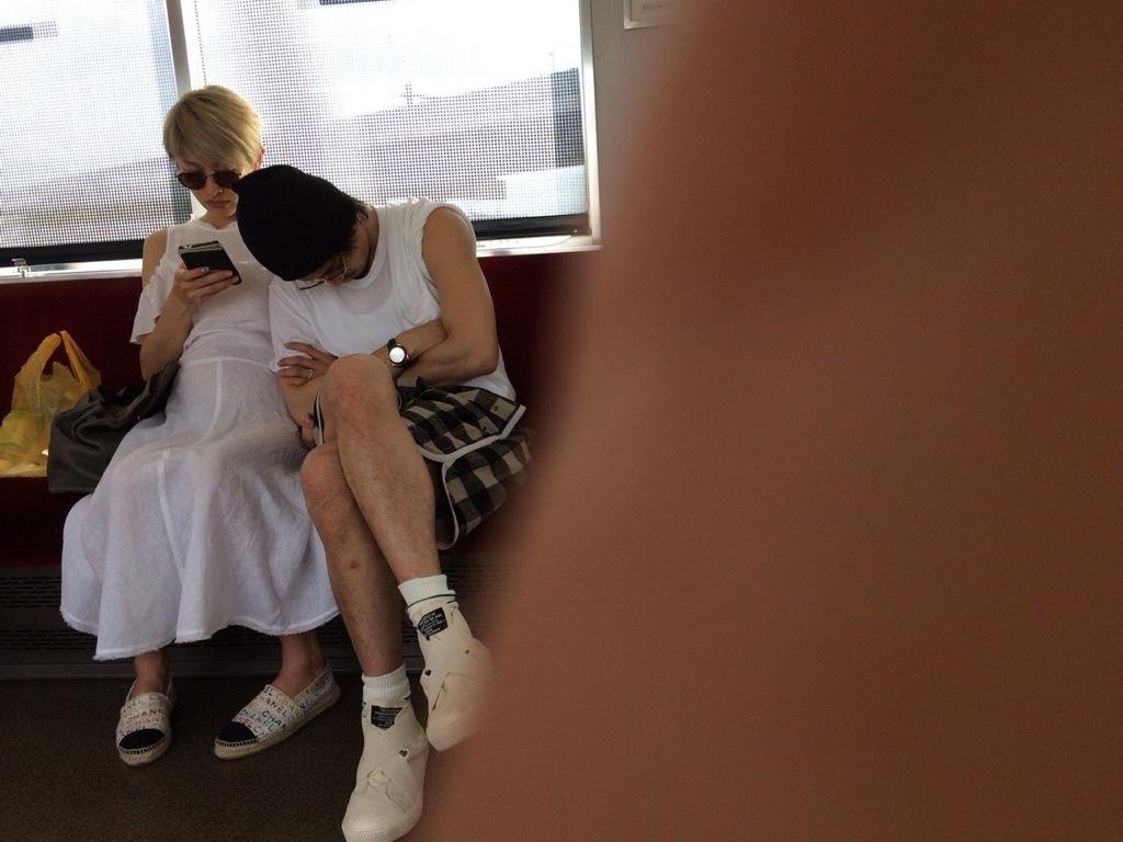 電車内で盗撮されたプライベートの山田優と小栗旬