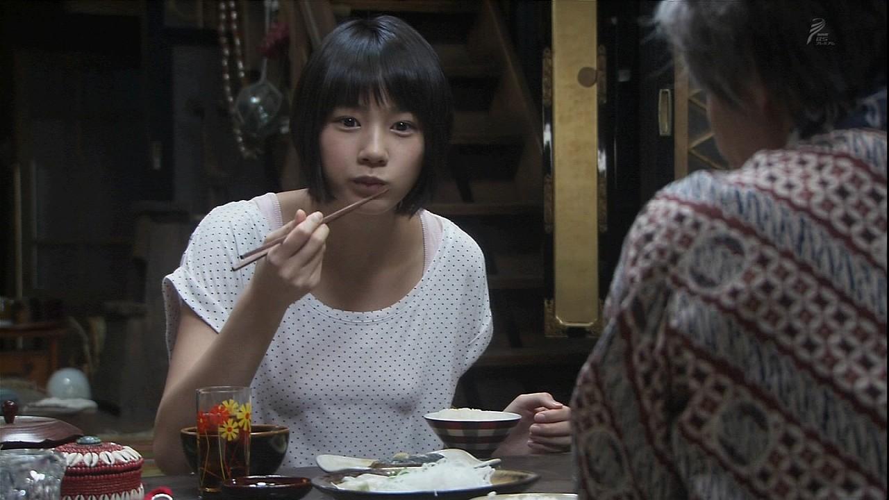 ドラマ「あまちゃん」で映った能年玲奈の胸