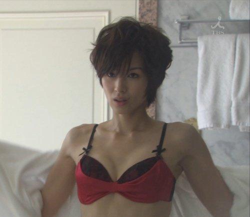ドラマ「昼顔」のセクシーな吉瀬美智子
