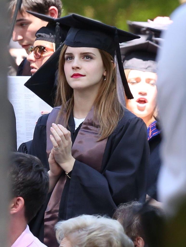 ブラウン大学卒業式でのエマ・ワトソン