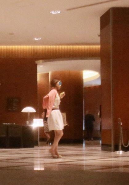 小栗旬と高級ホテルで疑惑の90分を過ごしたデリヘル嬢、FRIDAY画像