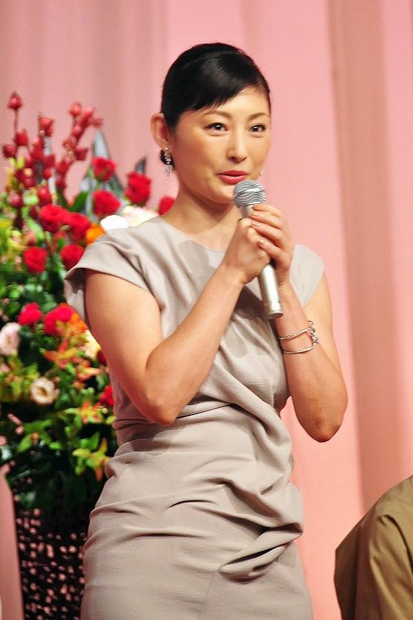 NHK連続テレビ小説「まれ」追加キャスト発表会見での常盤貴子 ふくよかになった常盤貴子