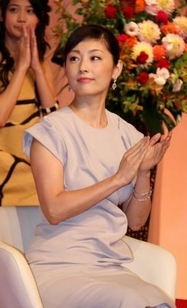 NHK連続テレビ小説「まれ」追加キャスト発表会見での常盤貴子 太った常盤貴子