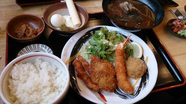 ミックスフライ定食 ¥750也