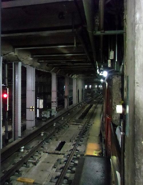 日本最古の地下鉄構内
