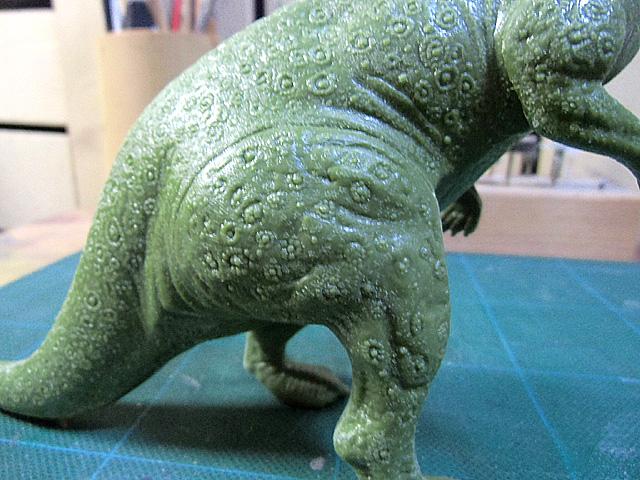 太腿の彫り