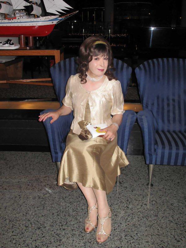 091020gold-dress(2).jpg