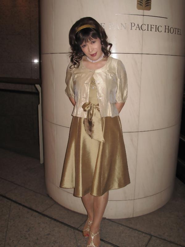 091020gold-dress(3).jpg