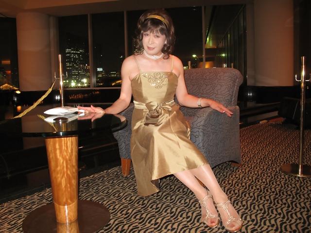 091020gold-dress(7).jpg