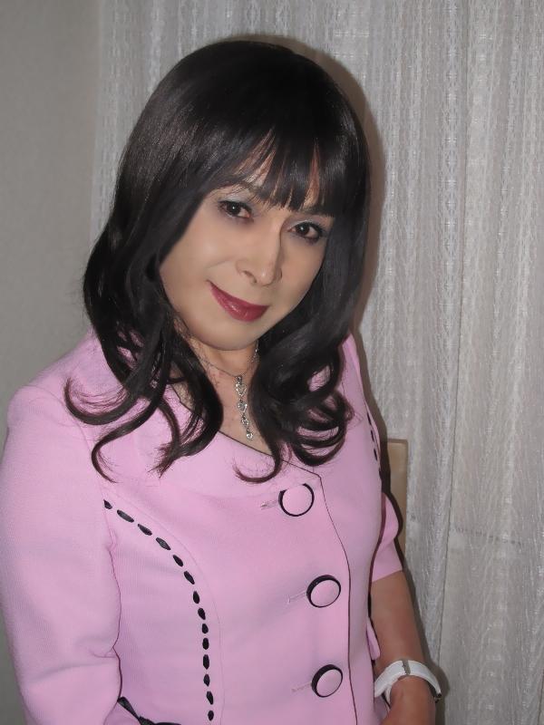 090516ピンクスーツ(4)