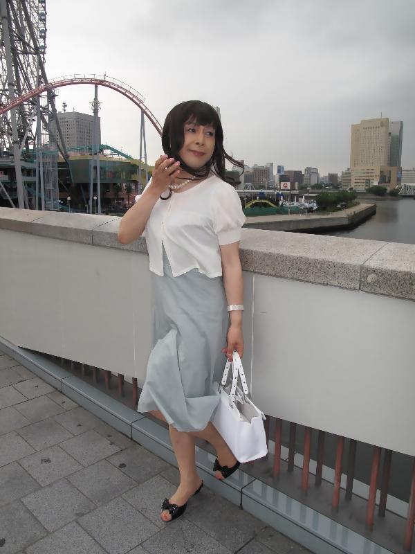 090801横浜の朝グレーワンピ(4)