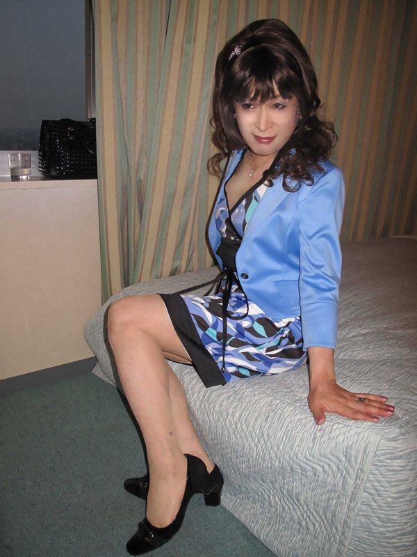 090929青ワンピスーツ(1)
