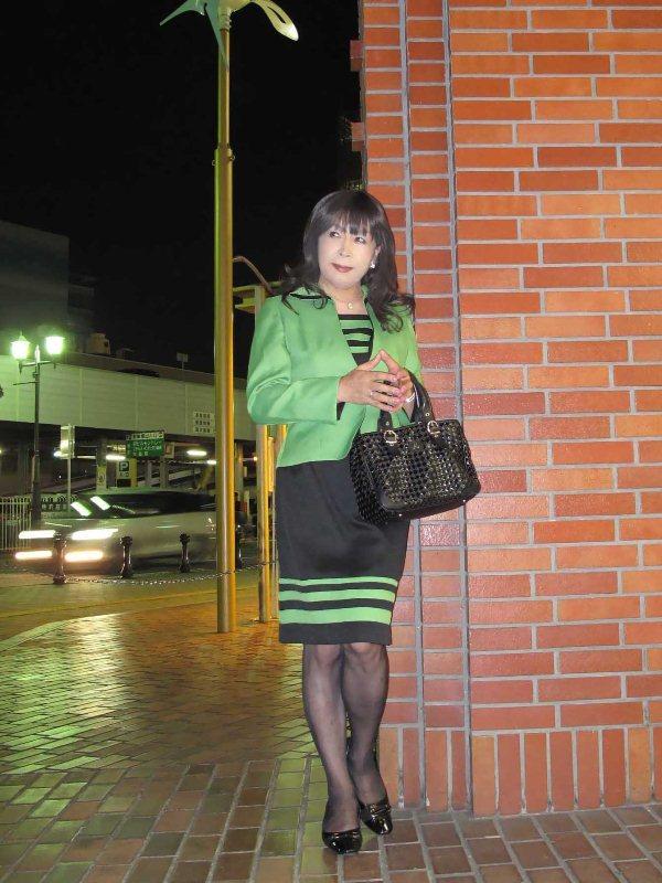 091003緑スーツ(1)